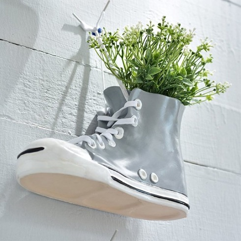 canvasshoesflowerplantpot01.jpg